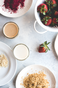 These 2 ingredient coconut butter dipped strawberries from http://meatified.com are a simple and refreshing treat. Enjoy them as is, or roll them in your favorite toppings!